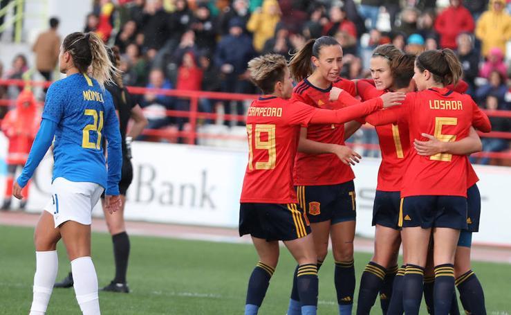 Partido amistoso entre España y Brasil que ha sido disputado en Don Benito