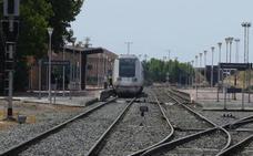 El Talgo que conecta Madrid y Extremadura sale con una hora de retraso por una avería de electrificación