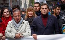 Rivera pide a Casado que regule la eutanasia ya «porque hay mucha gente sufriendo»
