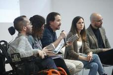 Podemos y Ciudadanos introducen la Constitución en la campaña