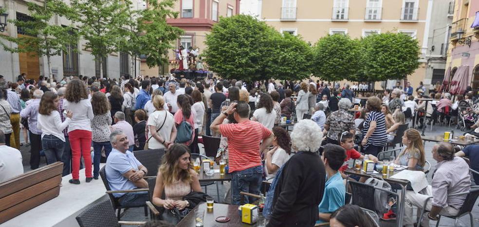 El Ayuntamiento de Badajoz permitirá que los bares abran dos horas más durante once días