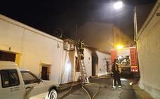 Una mujer sufre una crisis de ansiedad en un incendio en Ribera del Fresno