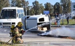 Un accidente radiológico simulado en la frontera pone a prueba a medios lusos y españoles