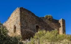 El castillo de Herrera del Duque reabre el domingo con un concierto de Acetre