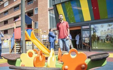 La fundación de Calderón costea un parque infantil en el Hospital Don Benito-Villanueva