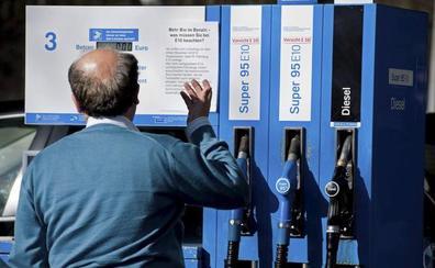 Los combustibles inician la Semana Santa un 5% más caros que la del año pasado