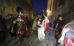 La Pasión Viviente revalida su éxito y llena la Ciudad Monumental de Cáceres