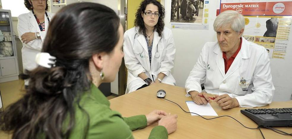 Solo un médico participará en las consultas en horario de tarde en Semana Santa