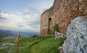 El castillo de Herrera del Duque abre al público