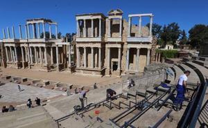 El Teatro Romano de Mérida compatibiliza las obras de su graderío con la visita de turistas