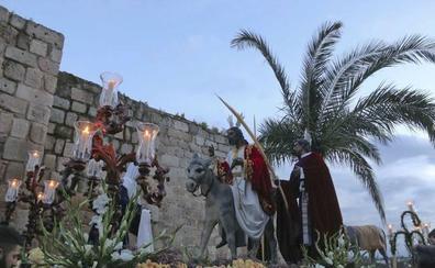 La Sagrada Cena y la Borriquita abren la Pasión de Mérida