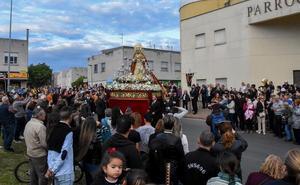 El Cerro de Reyes se echa a la calle para seguir a su Virgen