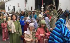Las procesiones de la Borriquita son cada año más participativas en Almendralejo