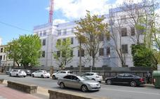 Comienza la rehabilitación de la fachada principal de los pabellones militares