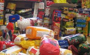 La UNED celebra el 23 de abril con una campaña solidaria que cambia libros por alimentos