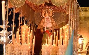 Aplausos y devoción acompañan a Jesús y la Virgen en Plasencia