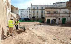 Los arqueólogos del Consorcio ya realizan las nuevas catas en el María Luisa