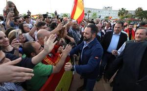 Vox saca músculo con un acto multitudinario en Mérida