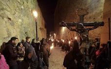 El riesgo de lluvia amenaza la salida de la Esperanza y el Cristo Negro en Cáceres