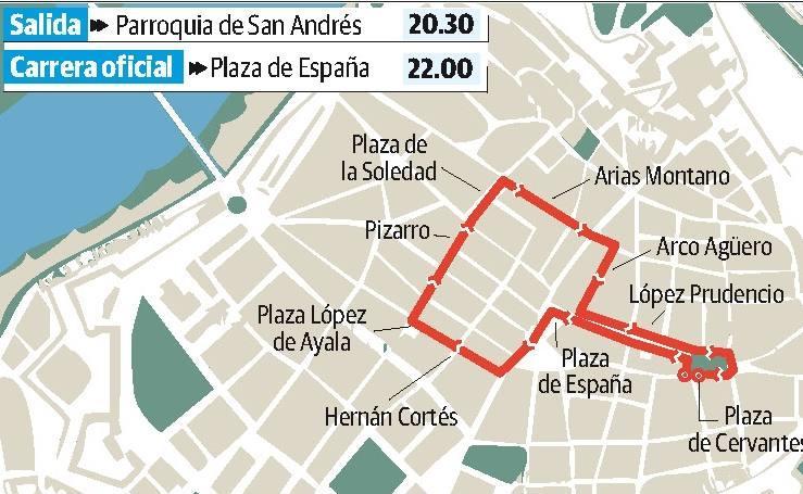 Procesión de la cofradía del Descendimiento en el Miércoles Santo, en Badajoz
