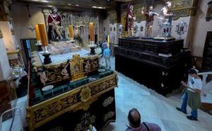 La lluvia deja en el aire el día grande de la Semana Santa de Badajoz