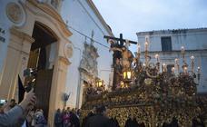 La procesión del Descendimiento solo rodeó la plaza de San Andrés en Badajoz