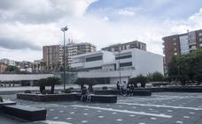 70 padres piden más presencia policial en la plaza Conquistadores de Badajoz