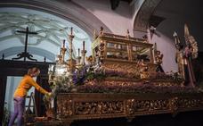 El luto se impone hoy en Badajoz en los cortejos del Santo Entierro y la Patrona