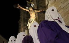 El Descendimiento y el Santo Sepulcro salen a escena en la Pasión placentina