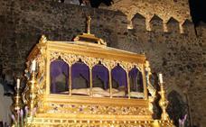Jerez acoge la solemne procesión del Santo Entierro