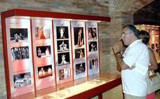 Solicitan fotos de figurantes de teatro para hacer una exposición sobre ellos