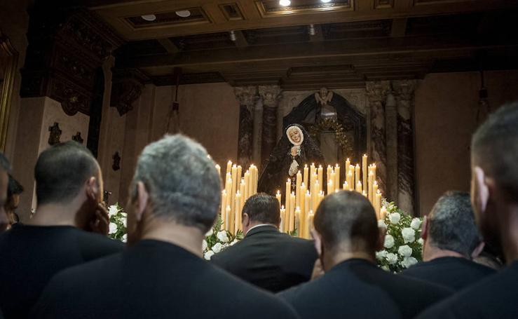 Viernes Santo en Badajoz: La Patrona no pudo desfilar al suspenderse la procesión del rosario
