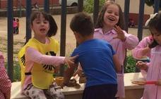 La Junta destina 50.000 euros para el programa de convivencia escolar 'Ayuda entre iguales. Alumnos acompañantes'