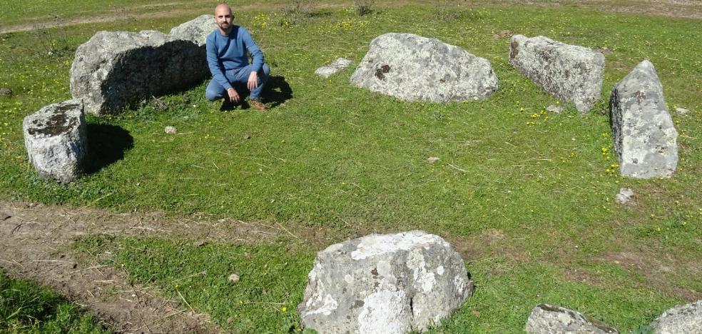 Un aficionado a la arqueología descubre un nuevo dolmen en Arroyo de la Luz