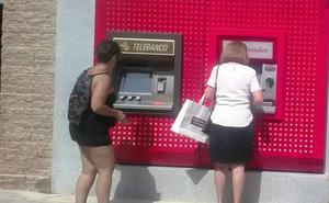 Un total de 150 pueblos extremeños carecen de oficinas bancarias