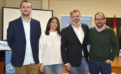 Pizarro presenta las cuatro nuevas incorporaciones de su candidatura en Plasencia