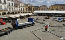 Numerosos vecinos pasan el día en el campo y los turistas llenan Trujillo
