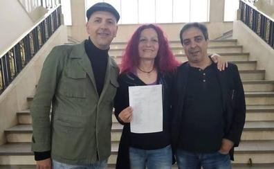Unidas Podemos presenta a Erika Cadenas a la alcaldía de Badajoz en una candidatura con mayoría de mujeres