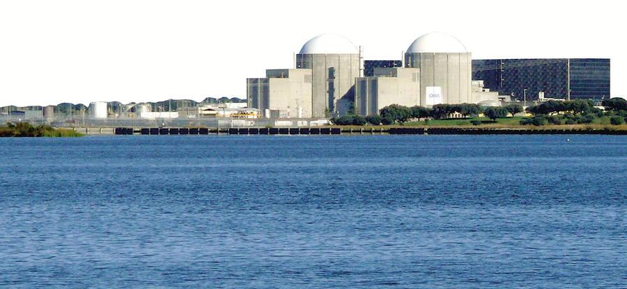 Interior licita el mantenimiento de sistemas de aviso en el entorno de la centrales de Almaraz