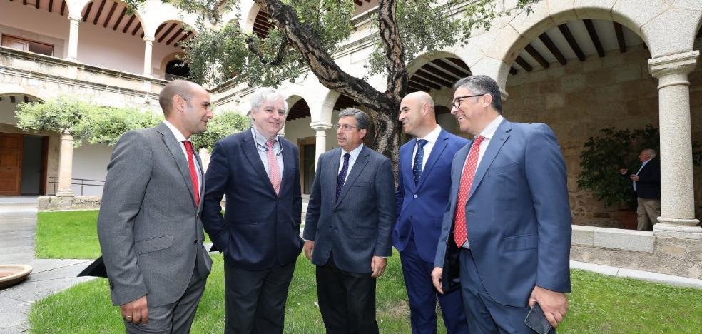 La empresa estatal Sodiex participa junto a Avante en el gran matadero de ibérico