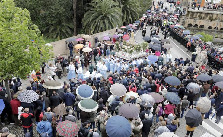 Procesión de bajada de la Virgen de la Montaña a Cáceres 2019