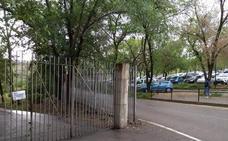 Cáceres cierra los parques por las fuertes rachas de viento