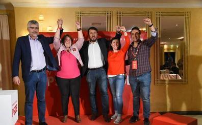 El PSOE valora el triunfo de la moderación y Monago culpa de la derrota a la división de la derecha