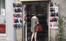 Las ventas del comercio caen en Extremadura un 2% en marzo