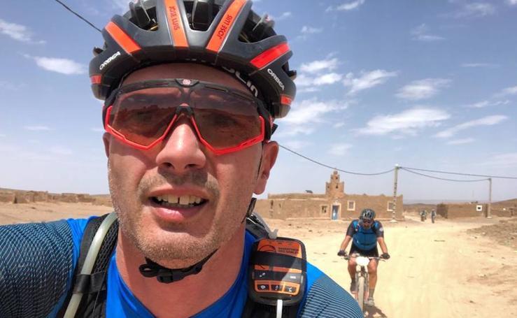 «Cruzar las dunas a más de 40 grados es muy duro»