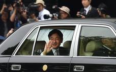 Empieza el reinado del nuevo emperador de Japón tras la abdicación de su padre