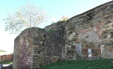 Denuncian la paralización de la rehabilitación de la ermita de Talaván donde están los 'ángeles malos'