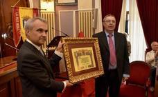 Miguel Mancho, fundador del Mideba, nuevo hijo adoptivo de Badajoz