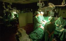 El SES realiza el primer trasplante de riñón con un donante vivo