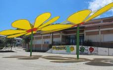 Los colegios estrenan parasoles en los patios de recreo